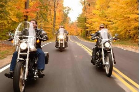 Езда на мотоцикле осенью