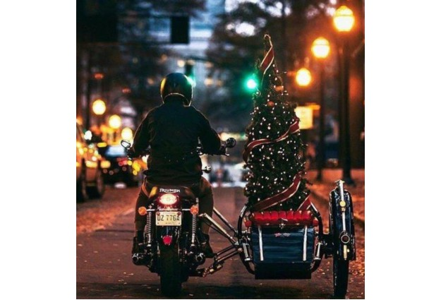 Что подарить мотоциклисту на Новый год