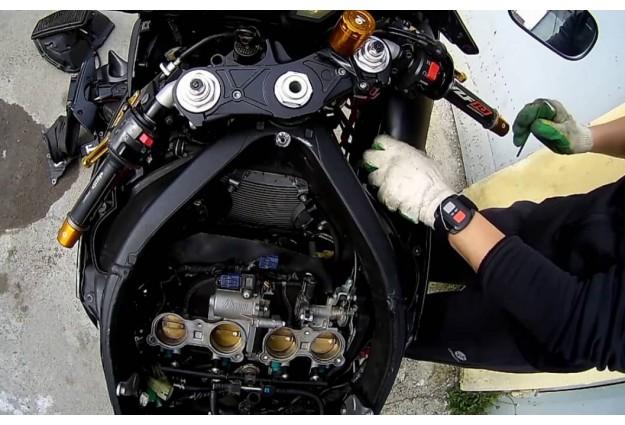 Как заменить свечу зажигания на мотоцикле
