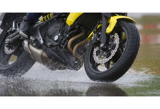 Как избежать пробуксовки колес на мотоцикле