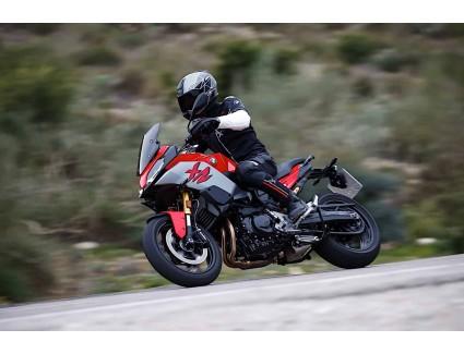 <Обзор мотоцикла BMW F 900 XR