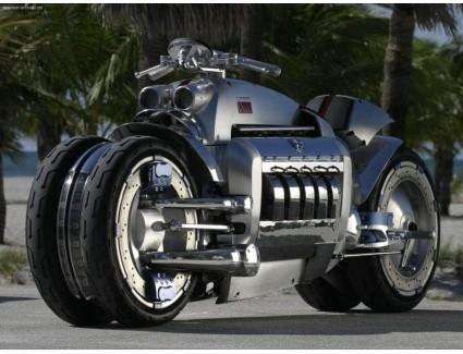 <Какая модель мотоцикла признана самой быстрой в мире в 2021 году?