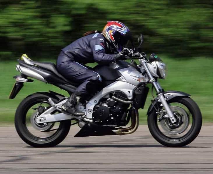 Suzuki_GSR600
